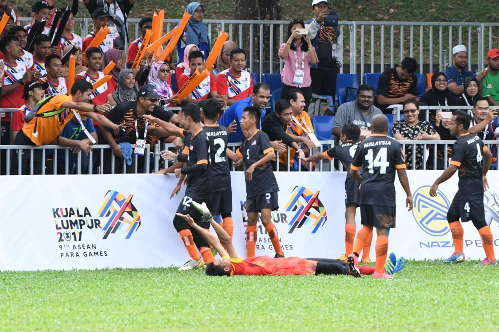 RT @Sports247my: Bolasepak CP : Malaysia mara ke separuhakhir https://t.co/wegg3Jir49 https://t.co/zrDQY846EF