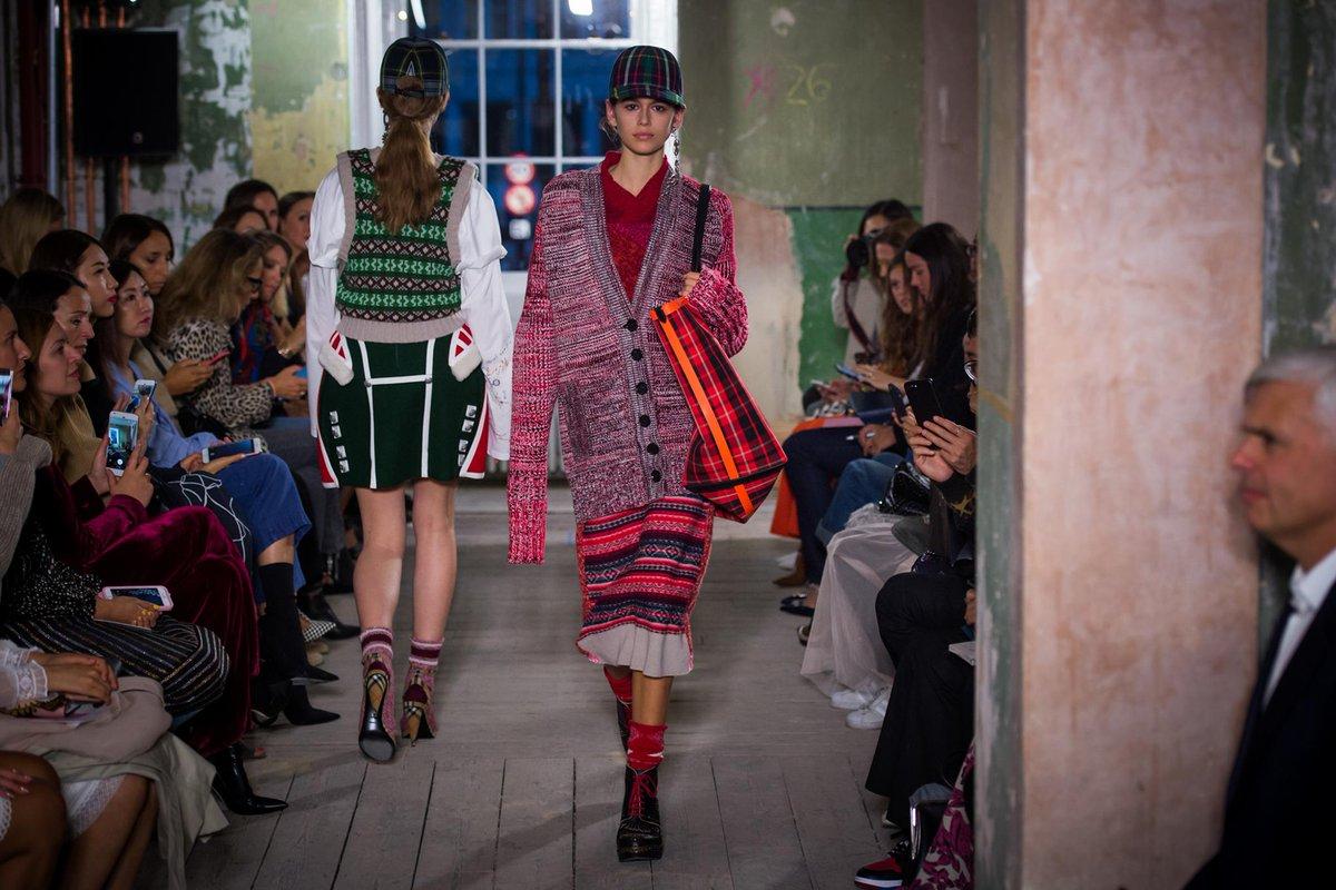 Textured knits and tartan. Shop the @Burberry show: https://t.co/wpHwZoLaDK #BurberryShow #LFW https://t.co/rHOHN0SfoV