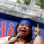 Actress goes solo to push for end to Philippines drug war