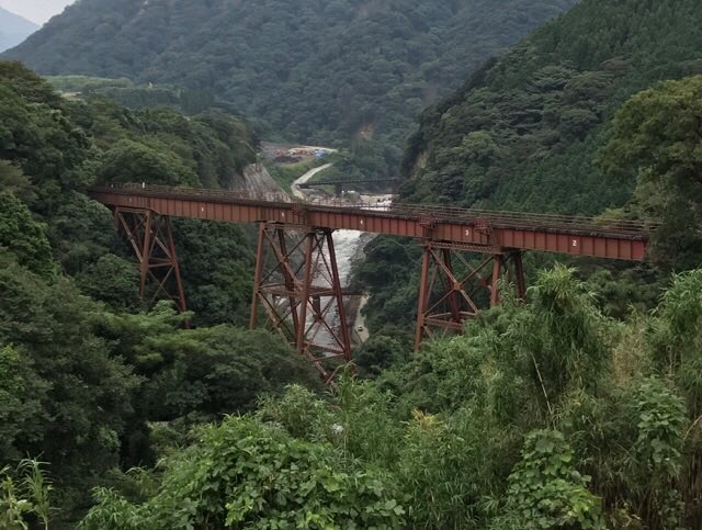 「夏目友人帳 伍」第7話「遠い祭り火」の聖地巡礼で南阿蘇村の立野橋梁。写真は無いけど、復旧開通したばかりの長陽大橋を通る