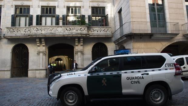 Puigdemont, contra las cuerdas por un saqueo millonario en una empresa de aguas de Gerona https://t.co/PH95wG6IUZ https://t.co/DbRzw6HkA9