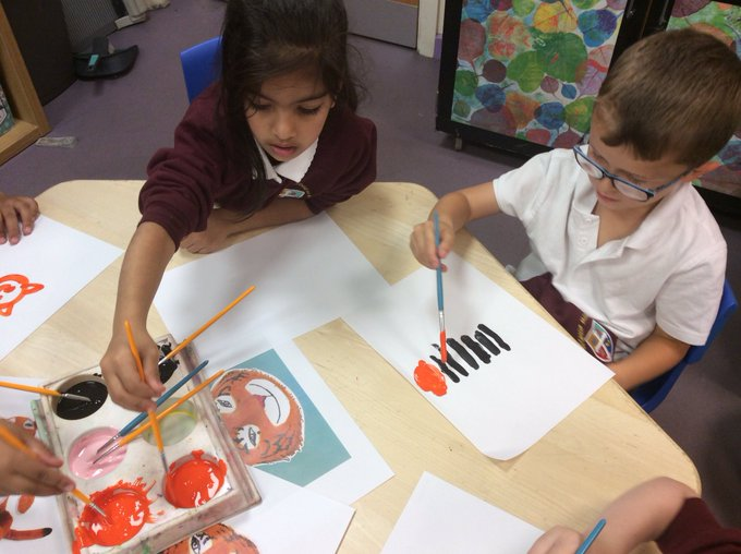 RT @misspotterskidz: We have some great artists in L1! Look at our tigers...🐯🐅🐯🐅 https://t.co/UBEwG4BCcp