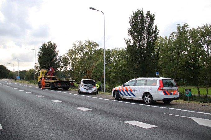 File na aanrijding tussen twee voertuigen snelweg A20 https://t.co/74b4qvsYsp https://t.co/YHFIBRKzFx