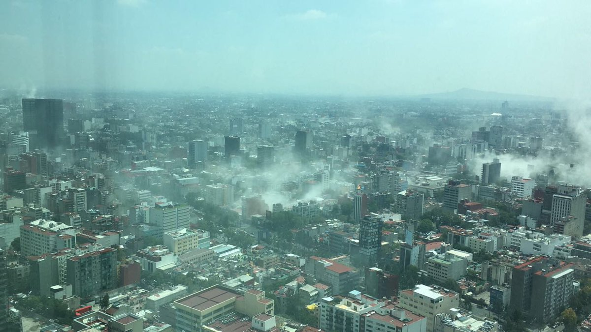 VIDEO: Se registra sismo de 6.8 grados en Puebla  #CDMX #TenemosSismo https://t.co/eG8HMoISOR https://t.co/NLYzus9Ilu