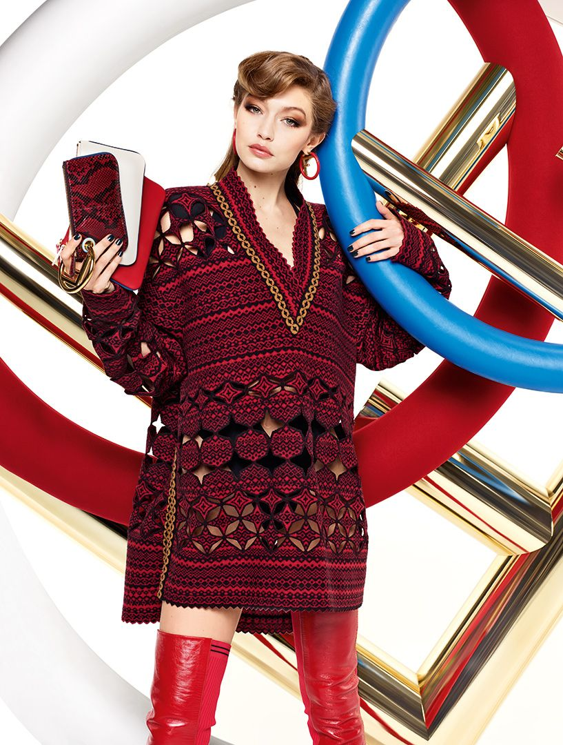 Red hot prints and the #FendiTriplette for triple the style. @GiGiHadid in #FendiFW17 by #KarlLagerfeld. https://t.co/Sh418on31z