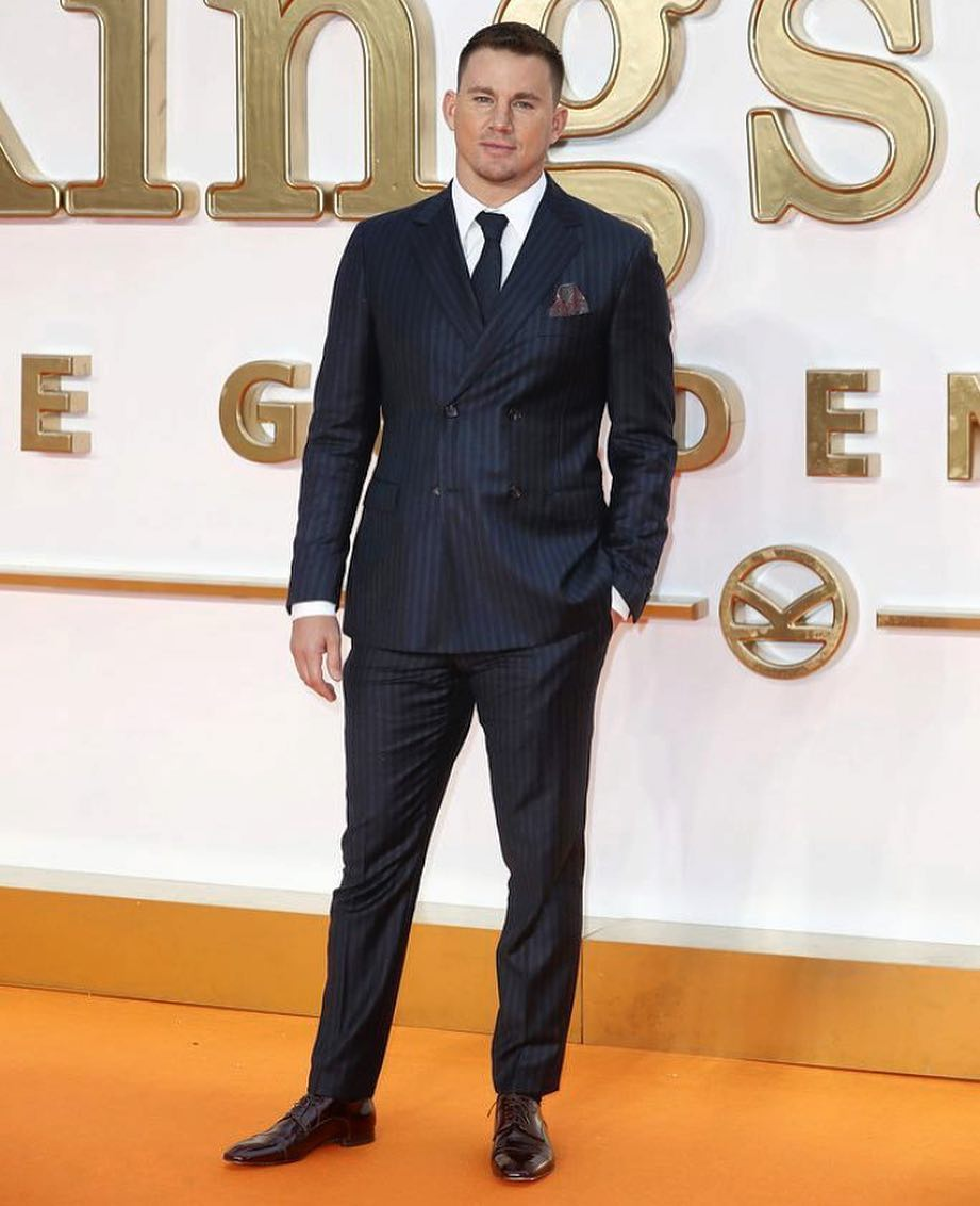 @channingtatum at the world premier of @KingsmanMovie looking like a handsome devil in a navy #Ferragamo suit. https://t.co/6O95omjlyG