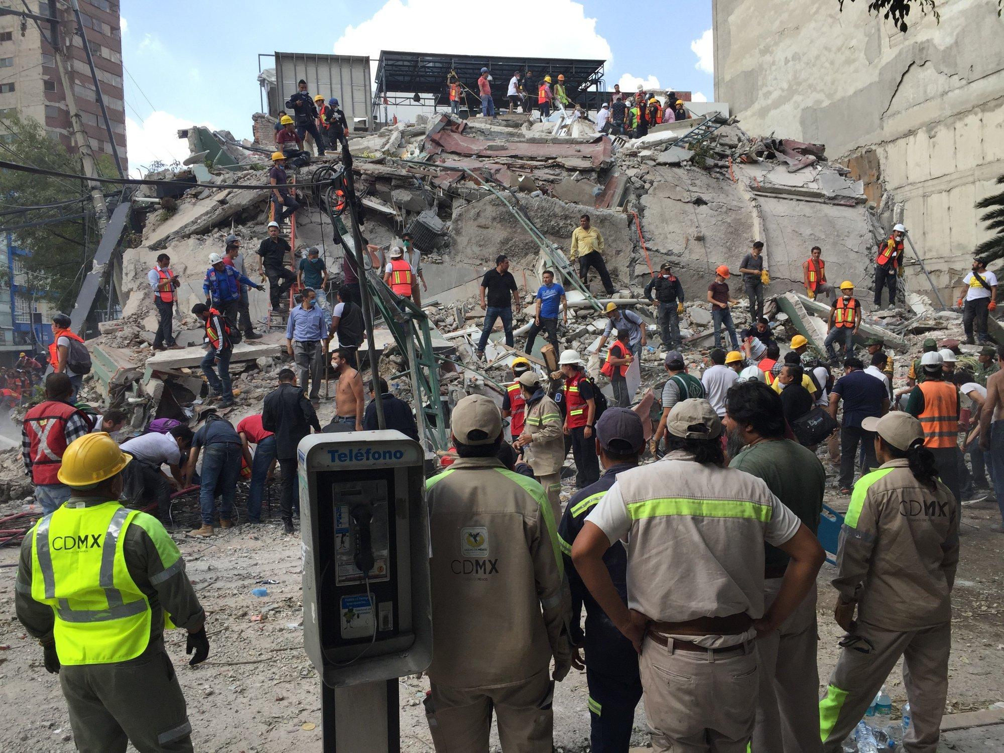 ÚLTIMA HORA | Las autoridades elevan a 79 los muertos en México https://t.co/S1Y9h7uqim https://t.co/FFB0NTDCJw