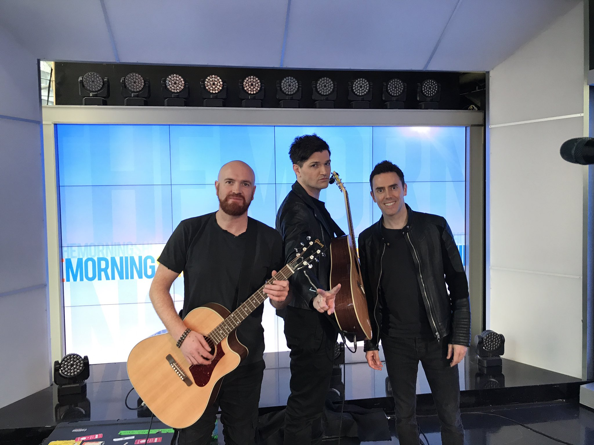 About to perform @sunriseon7 https://t.co/jJDC5VUrU7