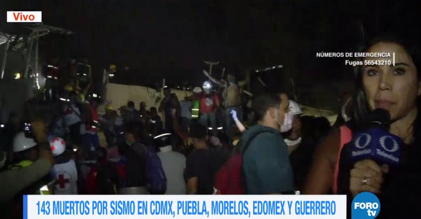 Todavía hay personas bajo los escombros de una fábrica colapsada en Chimalpopoca #CDMX https://t.co/4sZeJbXHHK https://t.co/KacIjapDNO