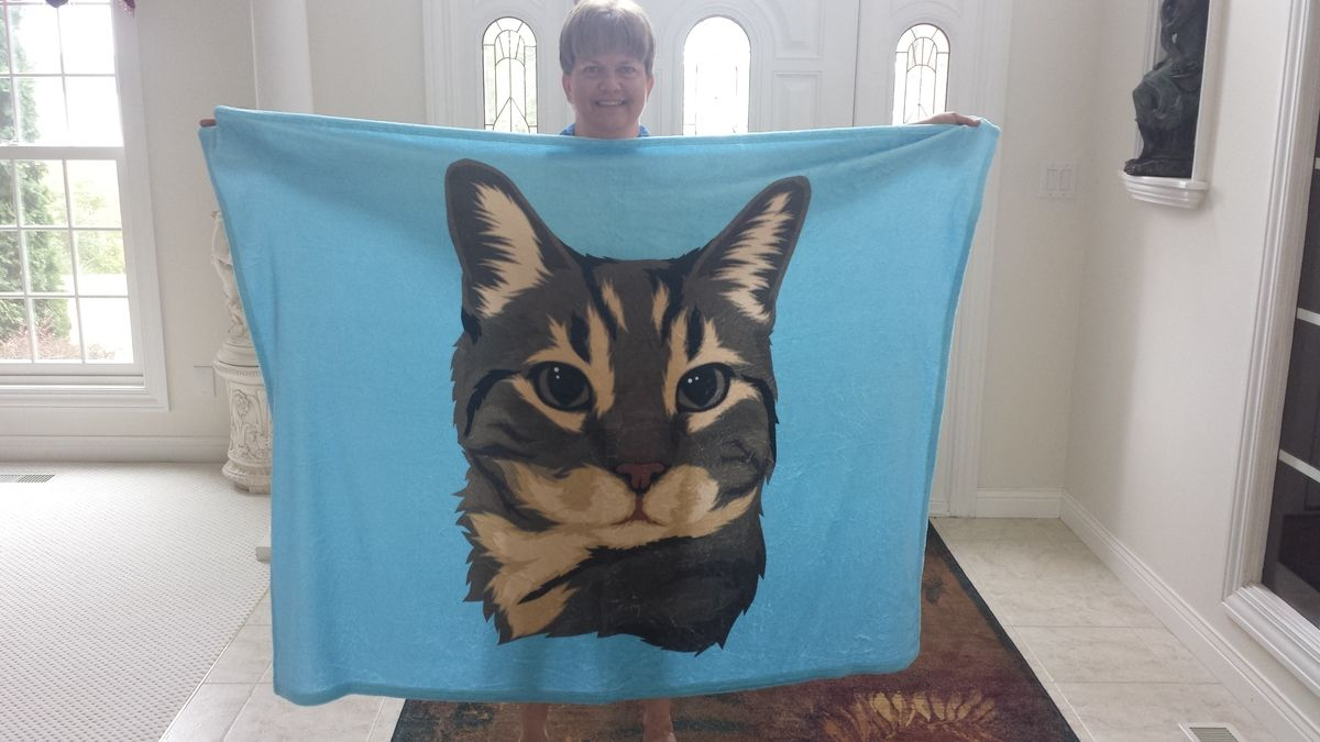 Get your pet on a customized blanket and help save another!  Only @ https://t.co/CtqjL6fOat https://t.co/4ElhiPTD08