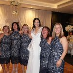 6 women turn up at Sydney wedding in identical outfits, insist they are not bridesmaids