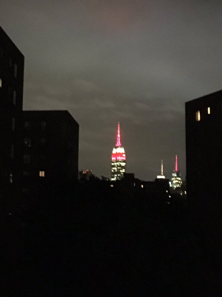 The @EmpireStateBldg lit up al empirestatebldg