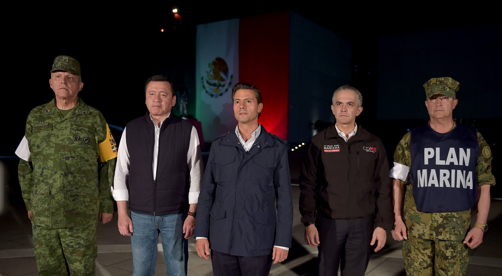 Mensaje del Presidente @EPN por sismo del 19 de septiembre 2017. #FuerzaMéxico  https://t.co/j4G8I7EDyq https://t.co/MHthXGMXH2