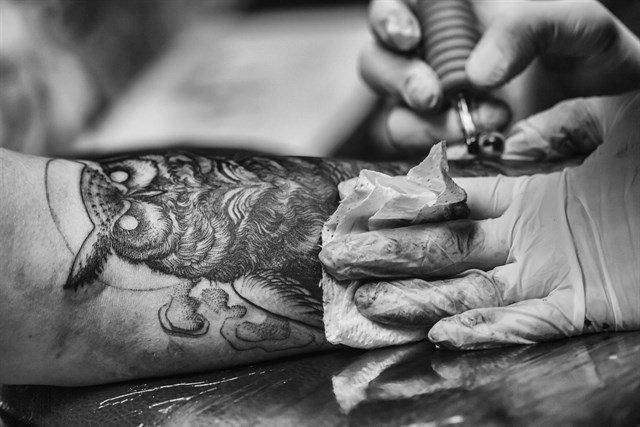 test Twitter Media - Recomiendan considerar los posibles riesgos asociados a los tatuajes y piercings. https://t.co/UPL6ylKWeq Vía: @infosalus_com https://t.co/p4MistPLuV