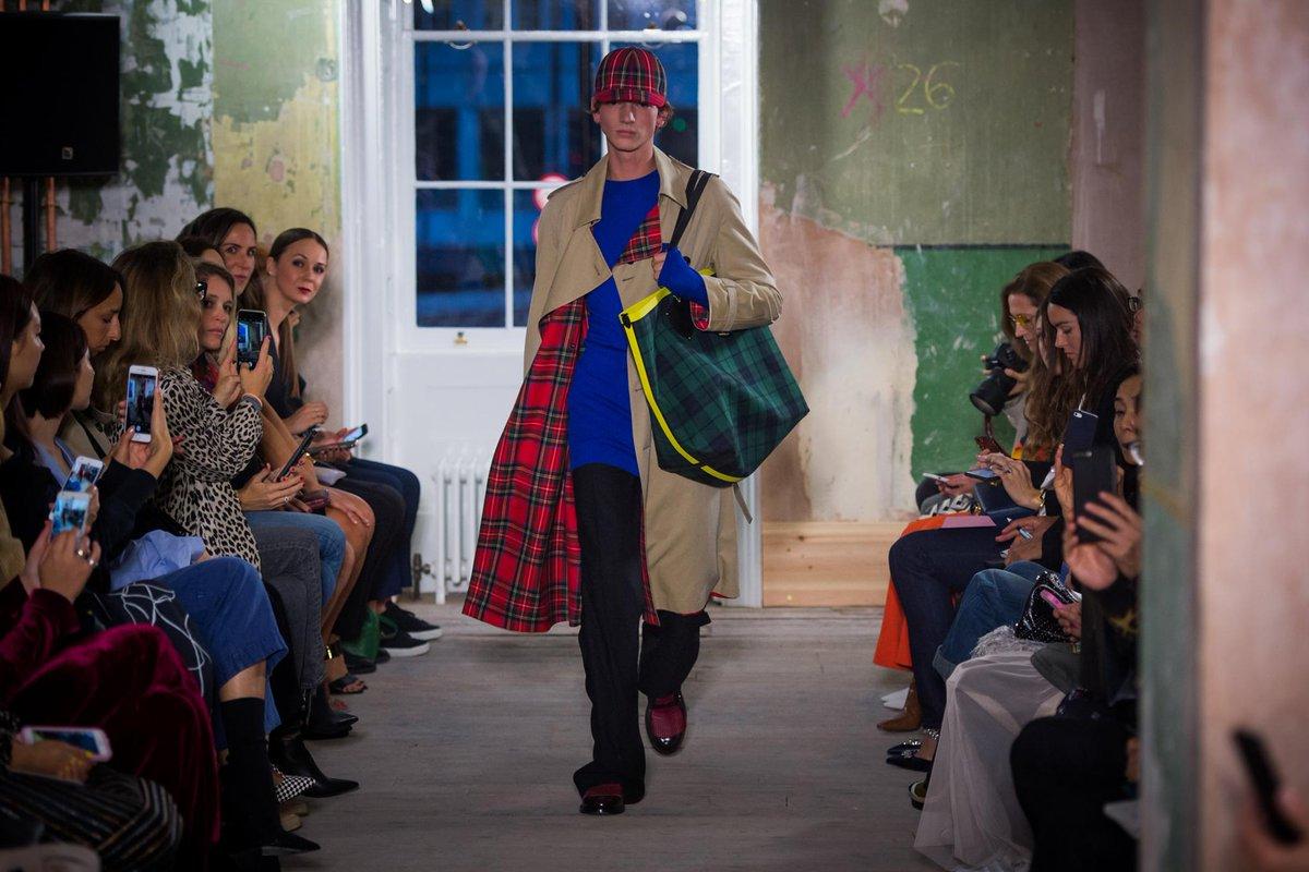 Vibrant colours and classic car coats. Shop the @Burberry show: https://t.co/pxVXxC8tTv #BurberryShow #LFW https://t.co/x1PWhmL7FV