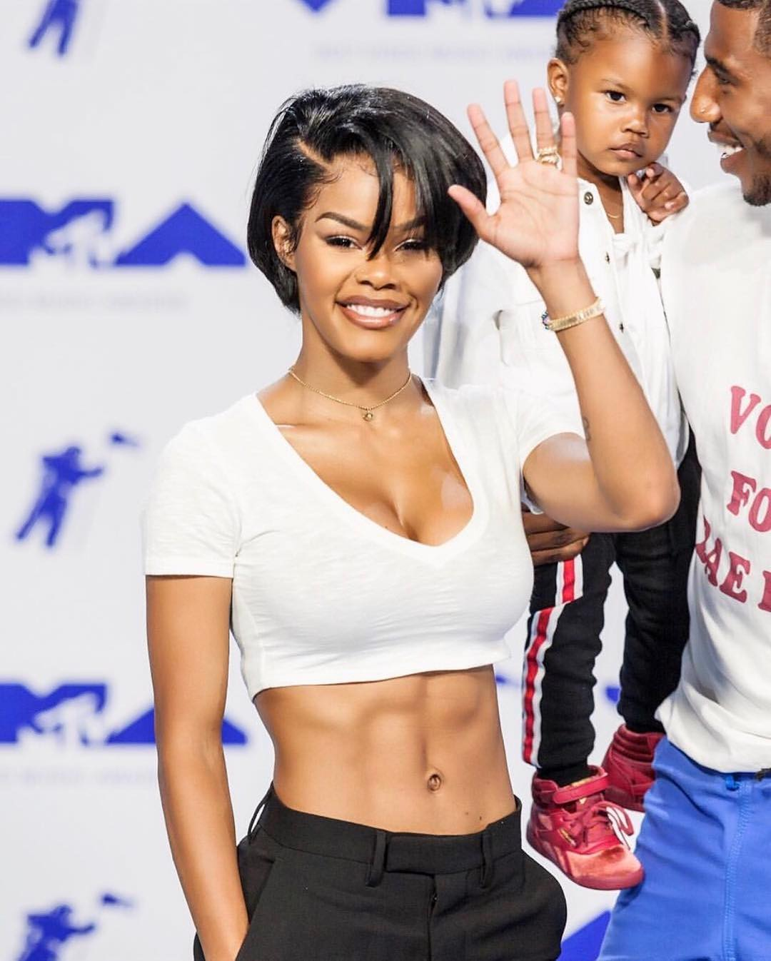 .@TEYANATAYLOR, @wizkhalifa to star in new Netflix comedy movie. https://t.co/HtpHD0yQZw https://t.co/qbcD1UABrF