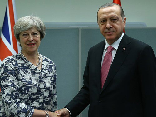 RT @tcbestepe_ar: الرئيس أردوغان يستقبل رئيسة الوزراء البريطانية في نيويورك https://t.co/tzGedfQsks...