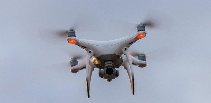 Collegevragen inzake gebruik drones tijdens calamiteiten https://t.co/k9GeLVmIRj https://t.co/KW7NBqERci