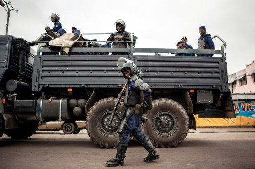 Manifestation de l'opposition: importante présence policière à Cosa