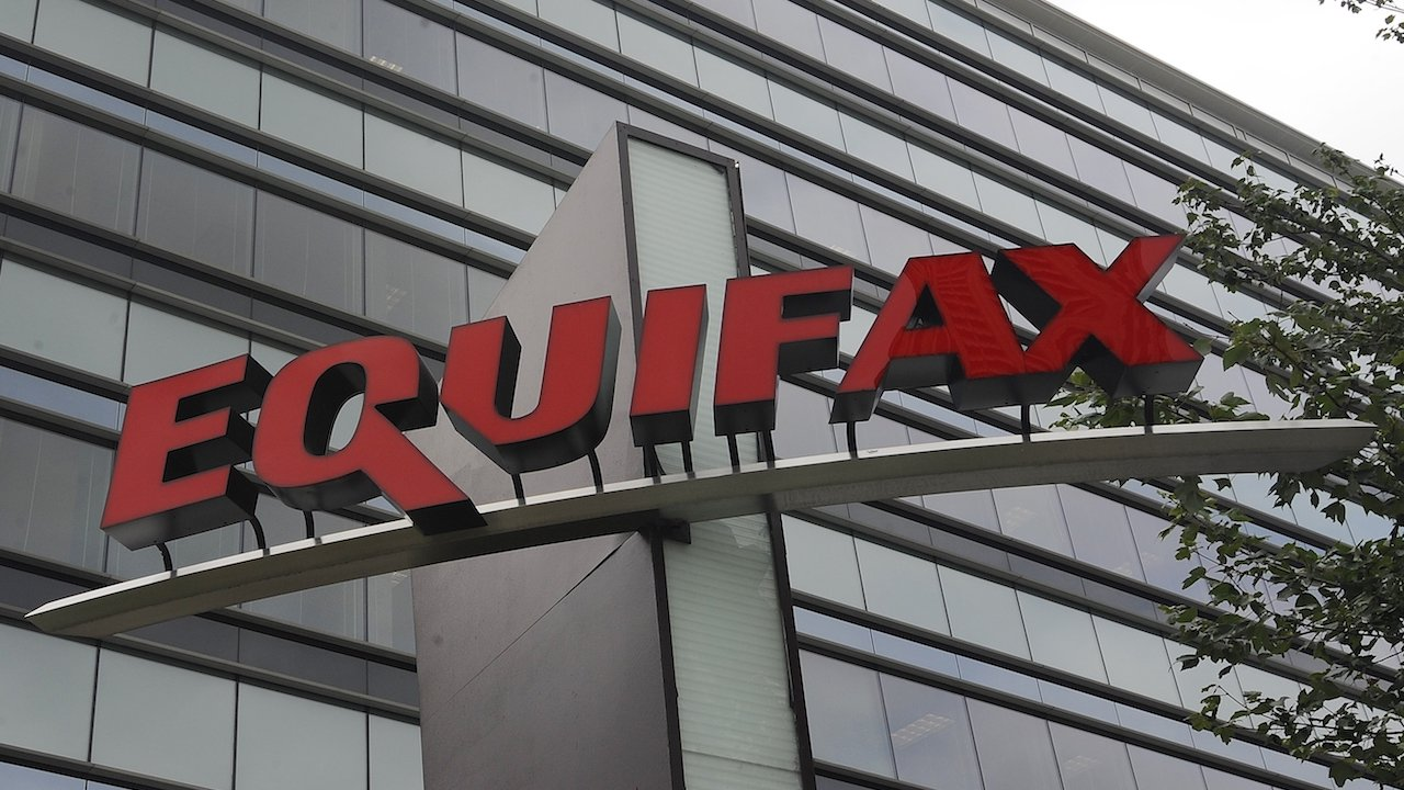 Equifax has been sending consumers to a fake phishing site for almost two weeks https://t.co/2qbIWi7lxP https://t.co/hMOJaDoGrM