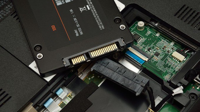 @BHPhotoVideo: Recommended SSDs by Form Factor https://t.co/ZkbyteaRmH https://t.co/0FChDnX5HO