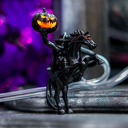 @DisneylandToday I need this Headless Horseman Glow Straw/Clip coming out soon to Disney Parks!!! #HalloweenTime https://t.co/N1E1dvwgG7