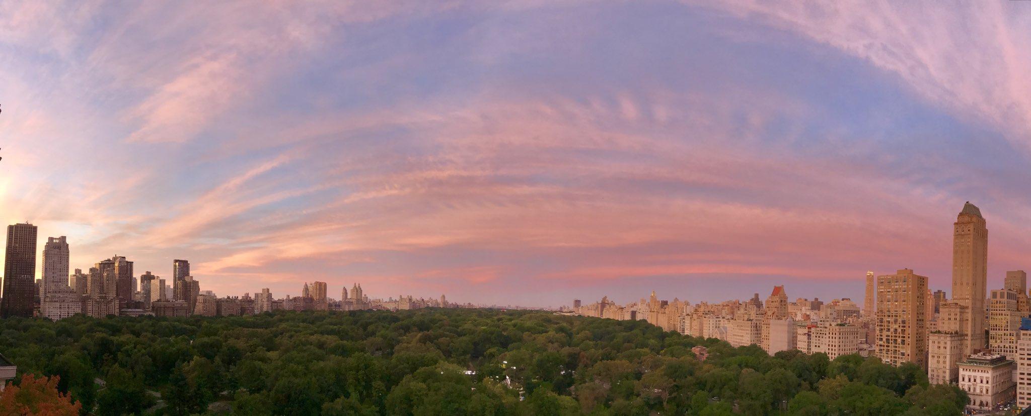 Yep. Pretty damn dramatic NYC sunset https://t.co/dg5X7UpAXN
