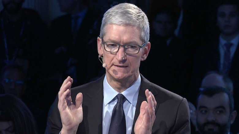 Apple CEO Tim Cook says he is 'personally shocked' there's even a debate on DACA https://t.co/fIrBusA1kp https://t.co/robim8cVNj