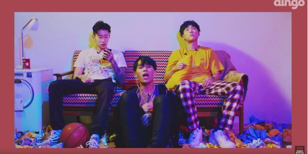 Jay Park, Sik-K, and pH-1 sit down for a cool live version of 'iffy'! https://t.co/dXaXhKT1MA https://t.co/BpjjswHqBs