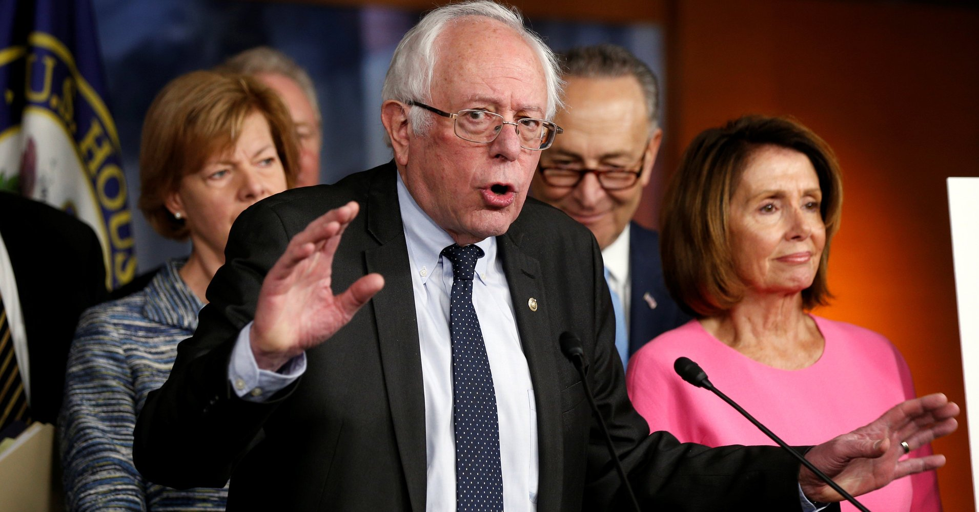 Bernie Sanders is taking on the foreign policy establishment by @AkbarSAhmed https://t.co/kGXGOWS3I8 https://t.co/KRmyGL1JOc