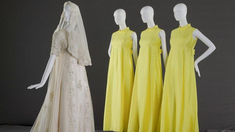 6 women all showed up at a wedding in the same dress, and they weren't bridesmaids