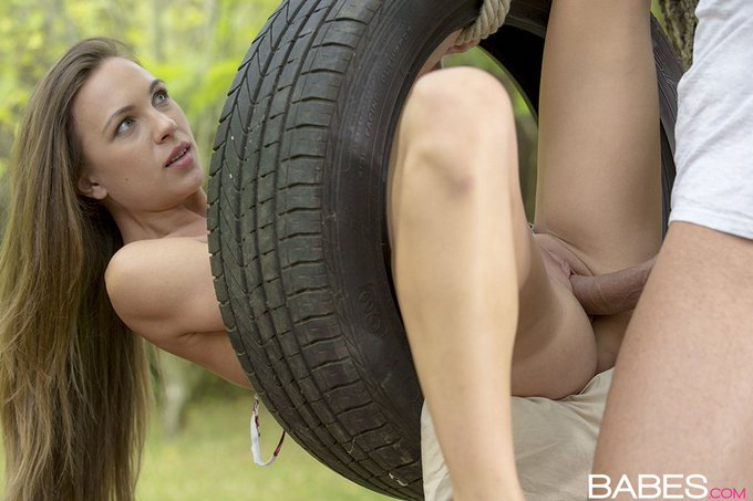 #VeronicaClark is getting TIRE'd. PREVIEW: https://t.co/NcpTPANUuY #Babes https://t.co/rZ1gm75pzQ