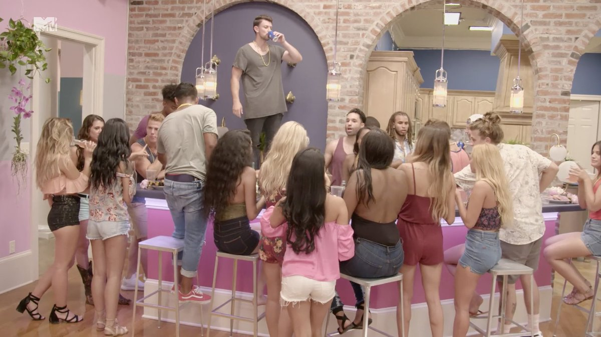 A new season of #AYTO starts right now! RT if you're watching + tweeti...
