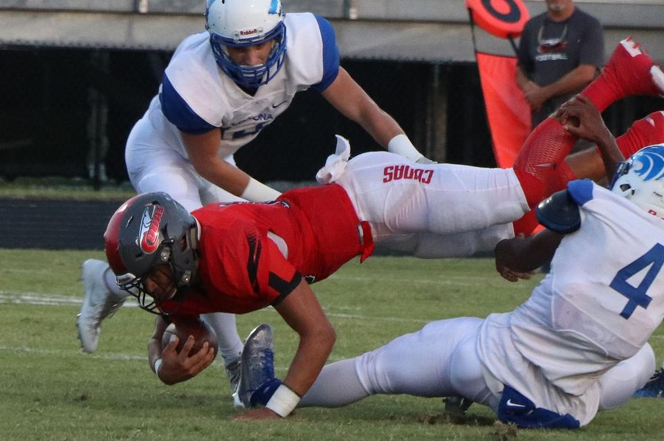 Behind Carter's 3 touchdowns, NSB topples Deltona 24-14 in district opener