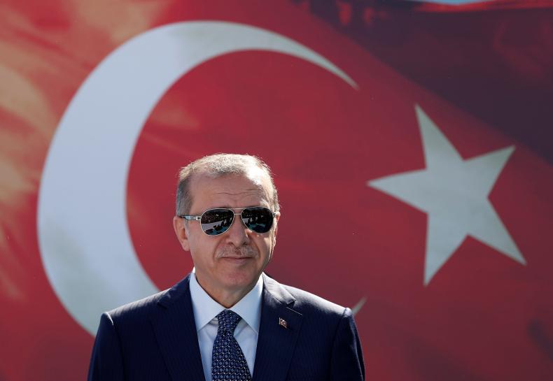 Turkey's enemy of interest rates targets banks to boost growth