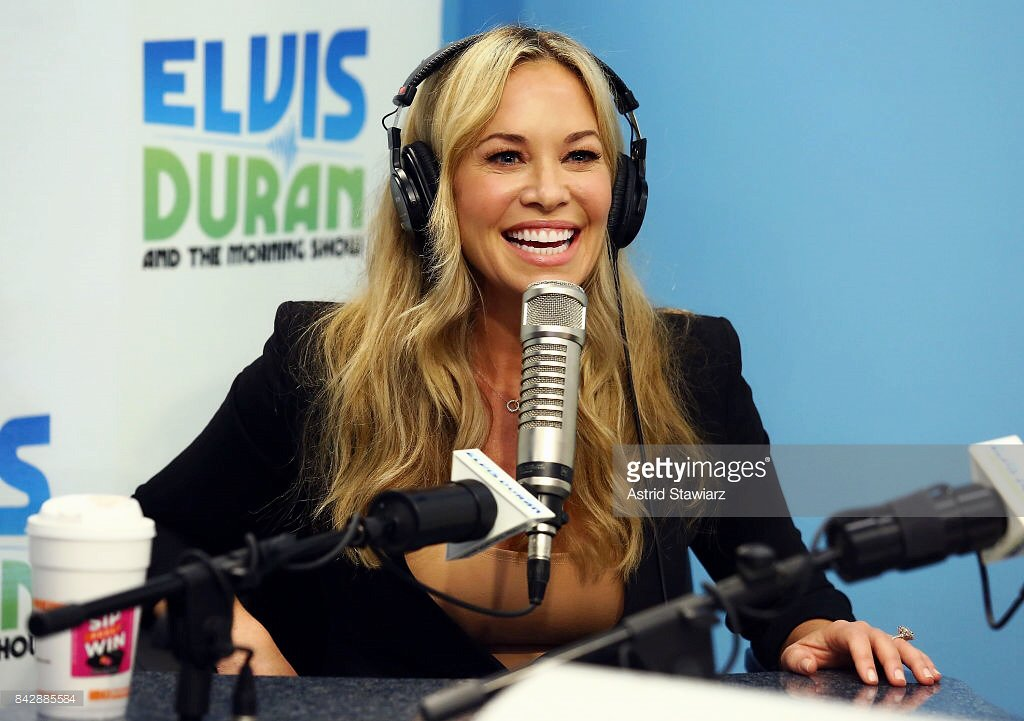 Had such a great time visiting the @ElvisDuranShow  ✨  In case you missed it:  https://t.co/WnFvyf14JW https://t.co/vQoOjIZMfs