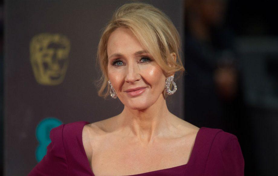 J. K. Rowling needs to stop changing the plot of Harry Potter https://t.co/zpOch7MzIZ https://t.co/RWfJHKUfGO