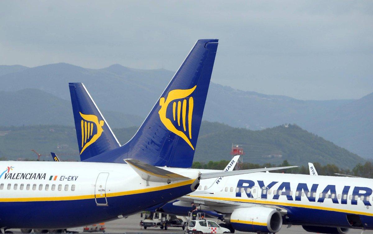 #Ryanair