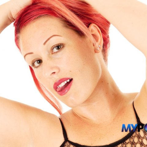 FEATURED #CLIPS STORE: @JuicyJadaCoxxx https://t.co/iyqb4xIQC1 This cute #redhead #amateur loves cock