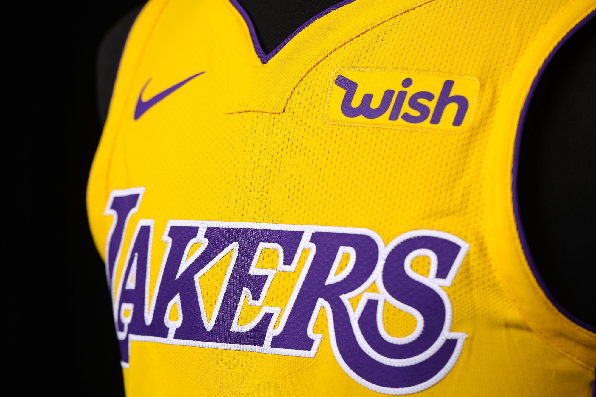 See the updated Lakers look with Wish!! https://t.co/Tw6OOqbnaG https://t.co/D9EGCESGj7