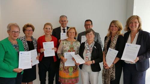 Vernieuwde samenwerking JGZ Zuid-Holland West en 8 gemeenten https://t.co/wuSpEkJhbG https://t.co/qAmv2ro4jf