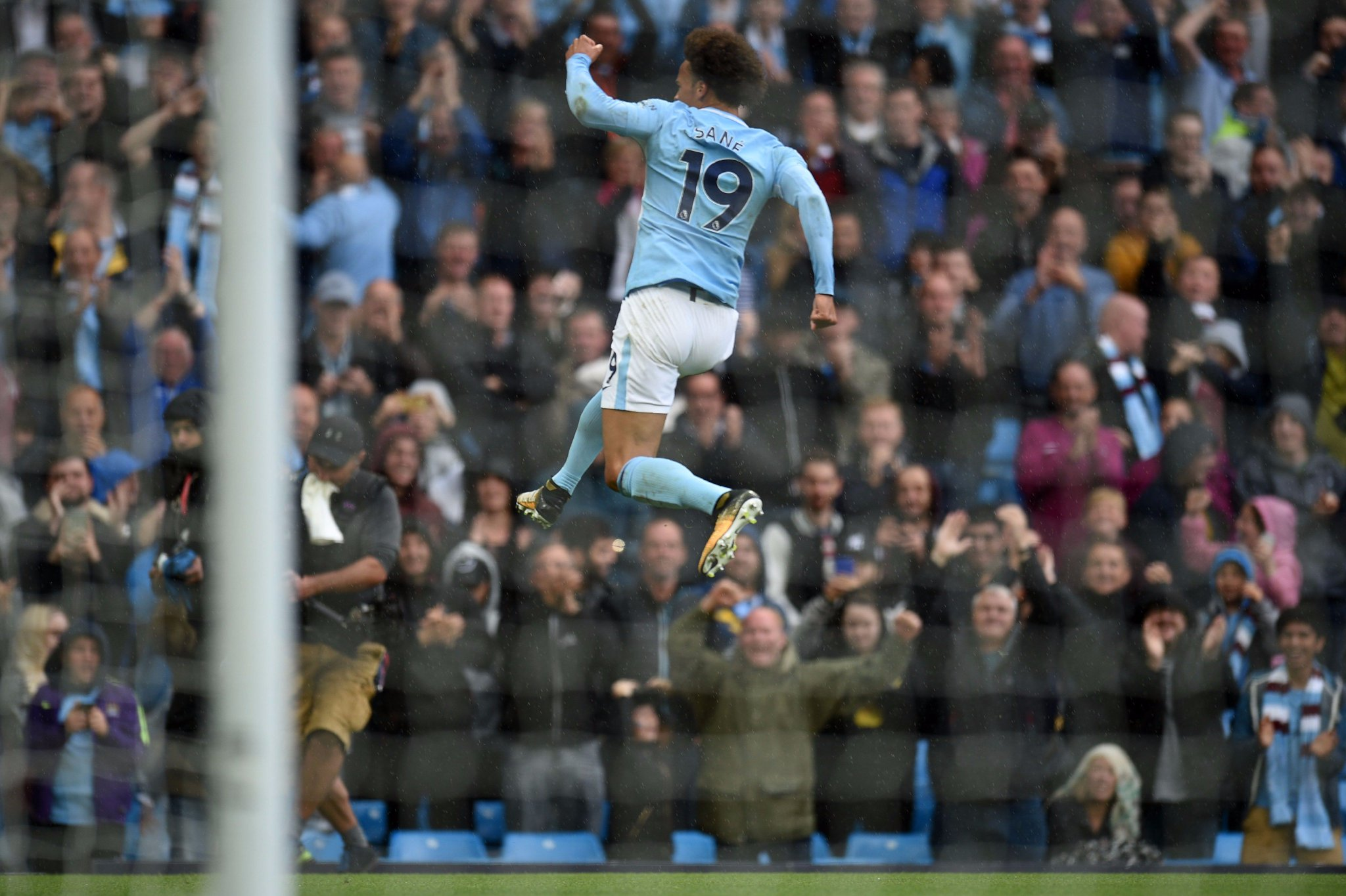 Leroy Sané has scored 4 goals in his last 4 games for Manchester City. ��   Biggest talent at #mancity? ⚽️ https://t.co/5zJejUAYJi