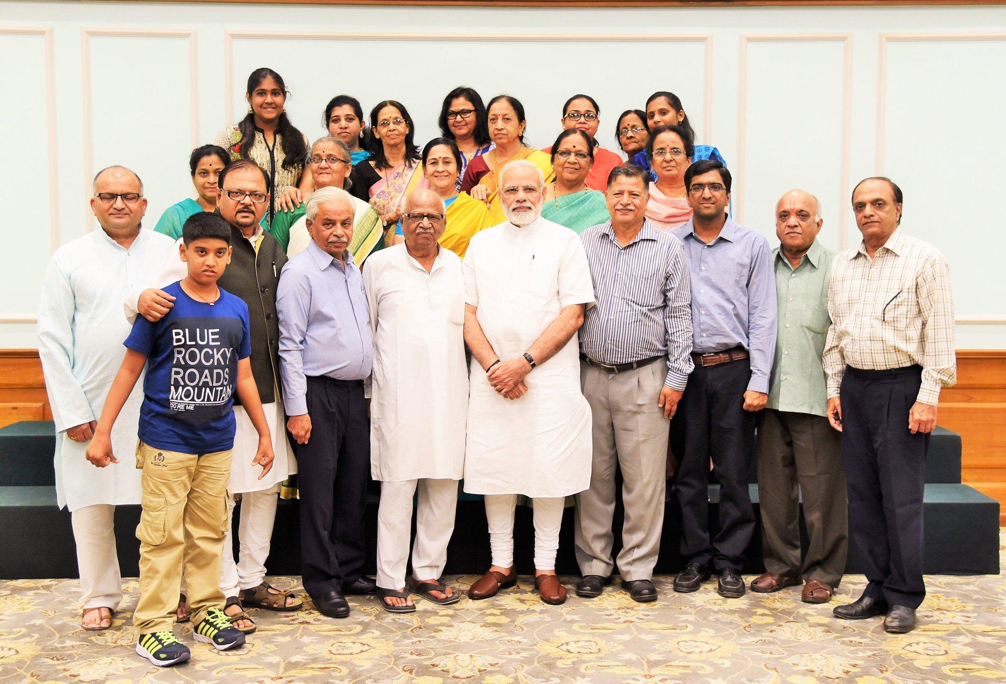 Met the family members of Shri Laxmanrao Inamdar. https://t.co/xjRcwCkREt