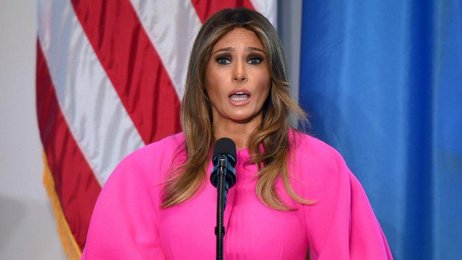 Melania Trump wears hot pink @Delpozo coat to address U.N. on cyber bullying: https://t.co/258ES55fpx https://t.co/dlz8GXfx0v