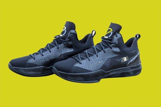 Big Baller Brand just re-designed Lonzo Ball's sneakers https://t.co/o8fWgXyOaQ https://t.co/fV7G8gDE1U