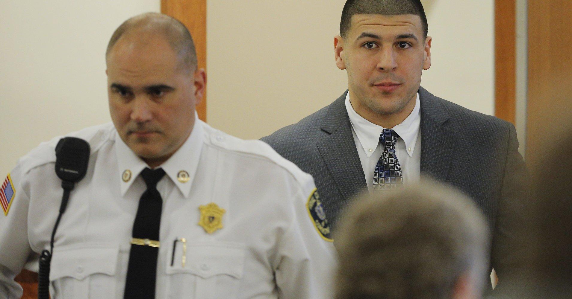 Aaron Hernandez had CTE, lawyer says https://t.co/1WCvkOhYwA https://t.co/PFdtoKH415