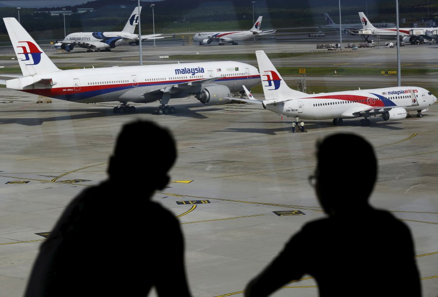 Malaysia Airlines accused of sacking overweight flight attendants