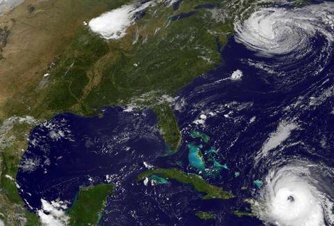 El huracán #María recupera fuerza y regresa a categoría 3 https://t.co/BUCxhIDmLM https://t.co/SMsec3oKW2
