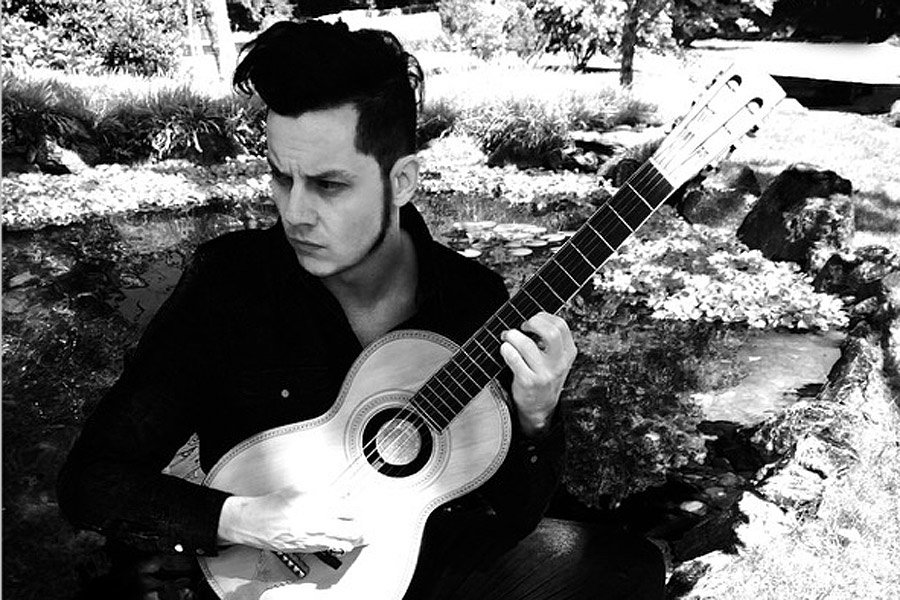 Jack White's greatest acoustic moments ever https://t.co/ClrUGfUsXO https://t.co/4MfxXpQB7y