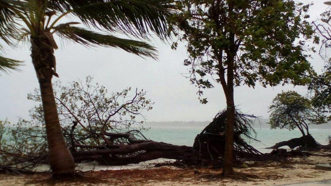 Hurricane Maria's center nearing Turks, Caicos Islands with wind speeds near 125 mph